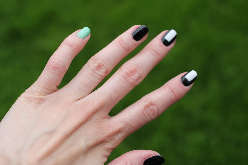 nails: the black and white thing