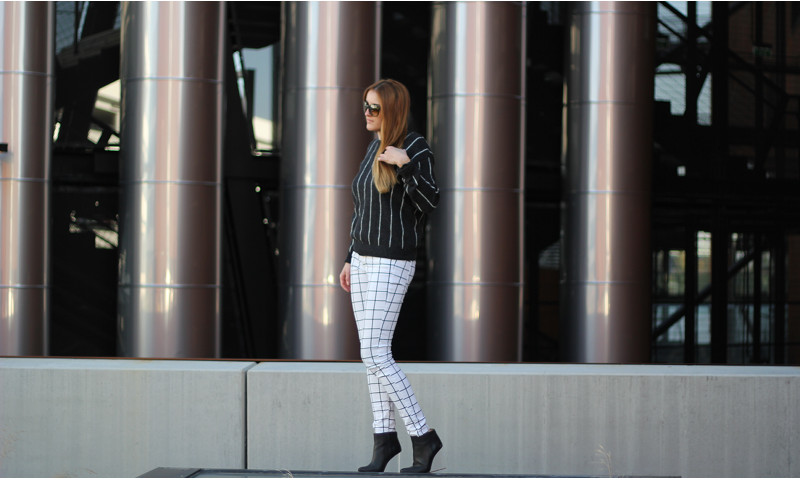 striped jumper – grid pants