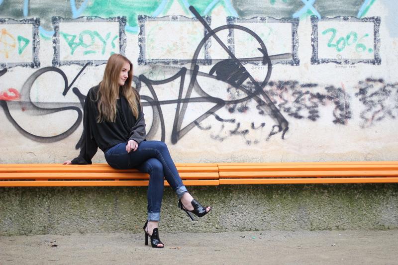 ootd: dark blue skinny jeans