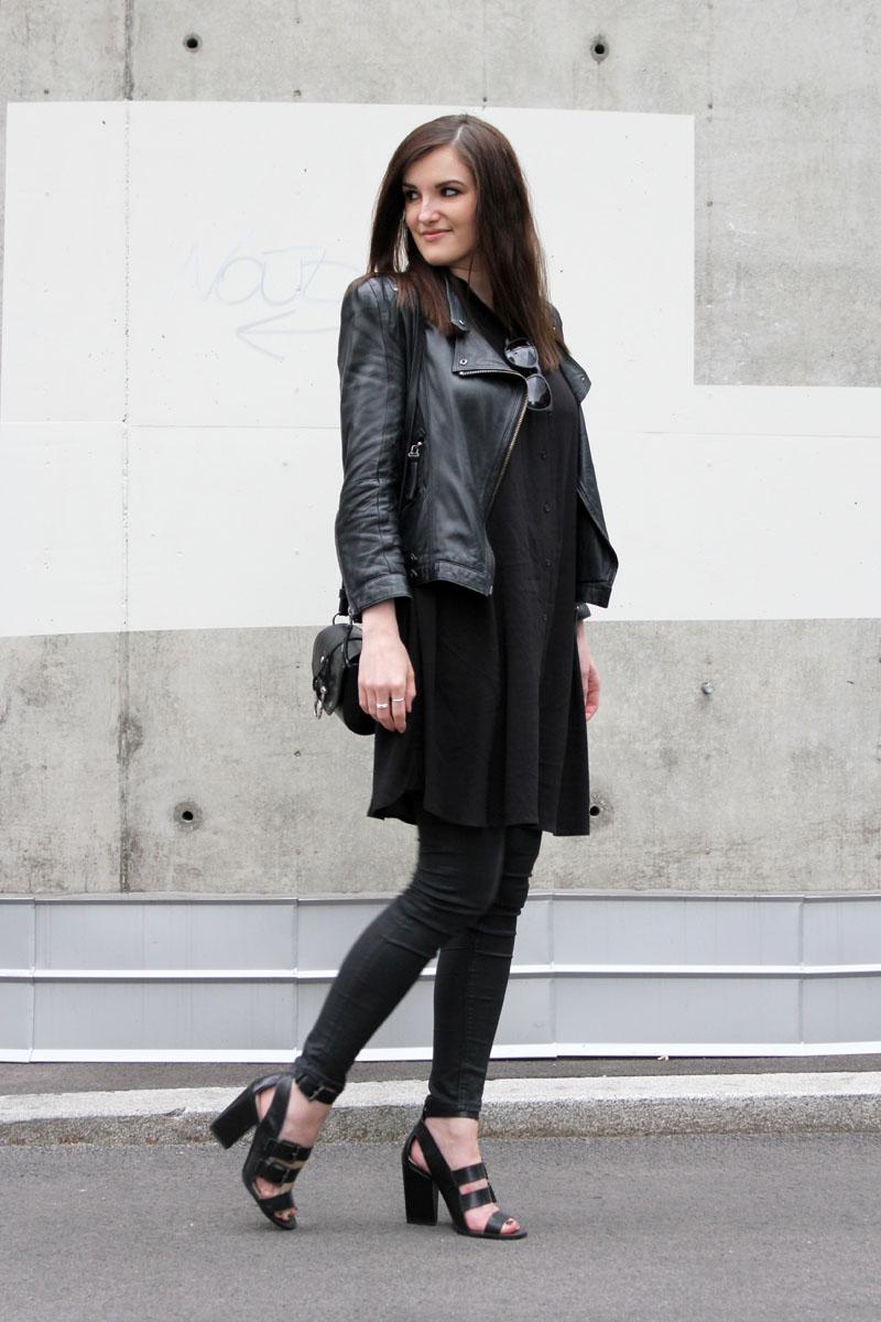 ootd: black shirt dress #2