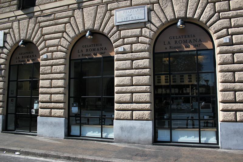 italy la romana Via Cola Di Rienzo rome