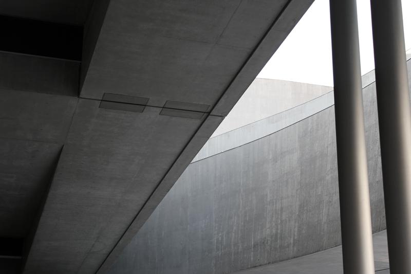 minimal architecture zaha hadid maxxi rome