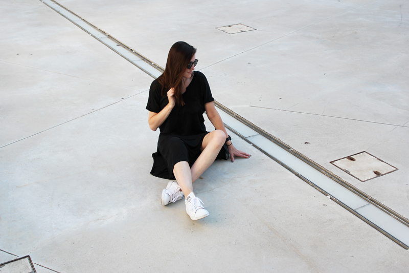 minimal outfit linen dress