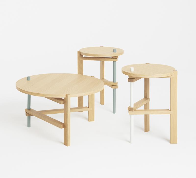 Die Tische von HAY Designer Thomas Alonso und COS Designern © COS