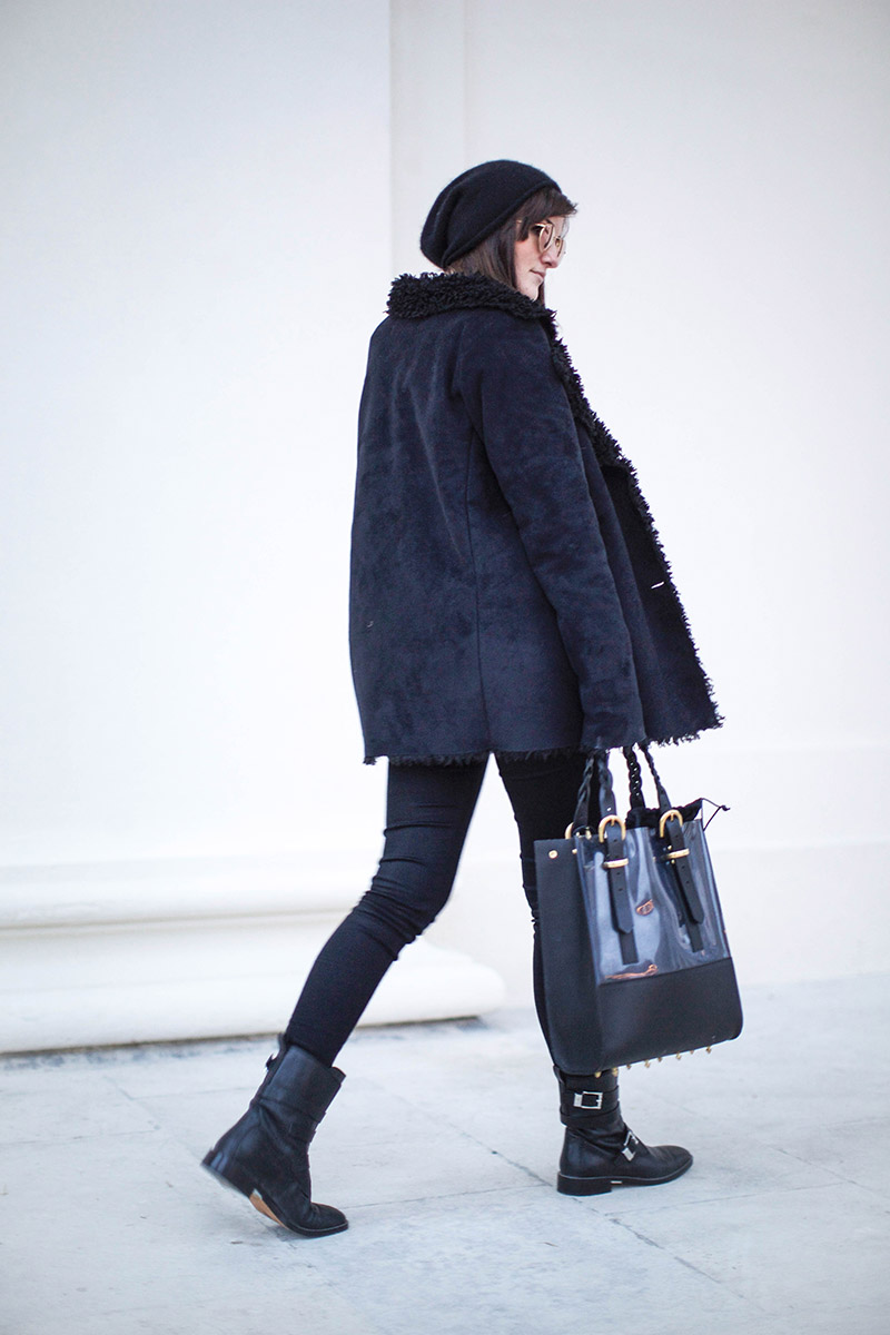 vienna streetstyle danielle foster bag cos cashmere beanie