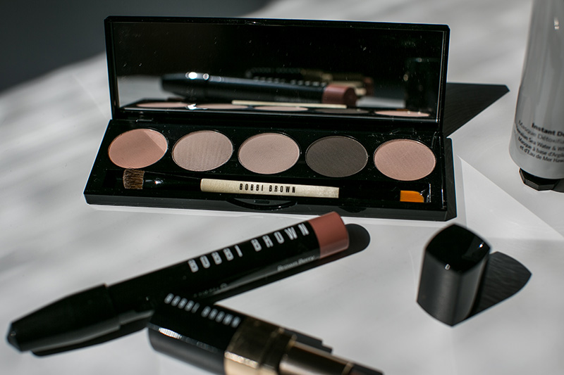 nude on nude eye palette bobbi brown