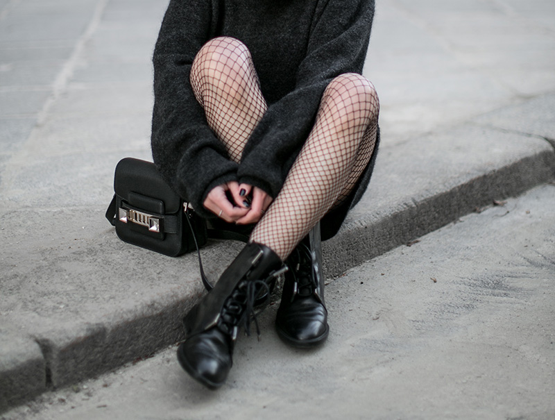 streetstyle-vienna-fishnet-tights-worry-about-it-later