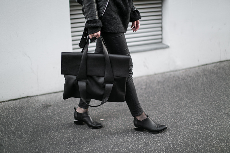 no-an-flap-bag-worry-about-it-later-finnish-design-austrian-fashionblog