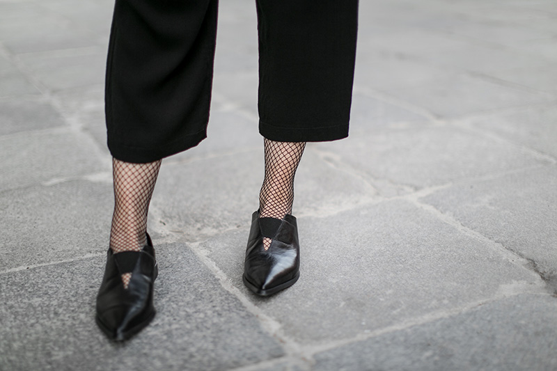 culottes fishnet tights worry about it later streetstyle vienna
