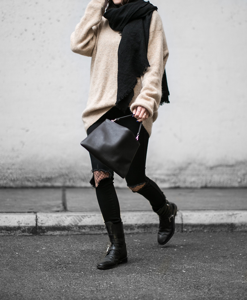 streetstyle-vienna-worry-about-it-later-no-an-pocket-bag-alexander-wang-boots-fishnet-tights