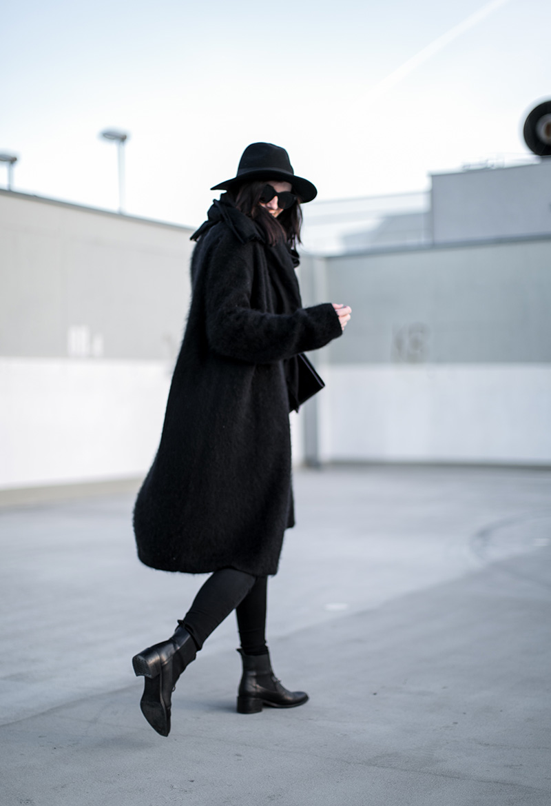 vienna-streetstyle-worry-about-it-later-total-black-look