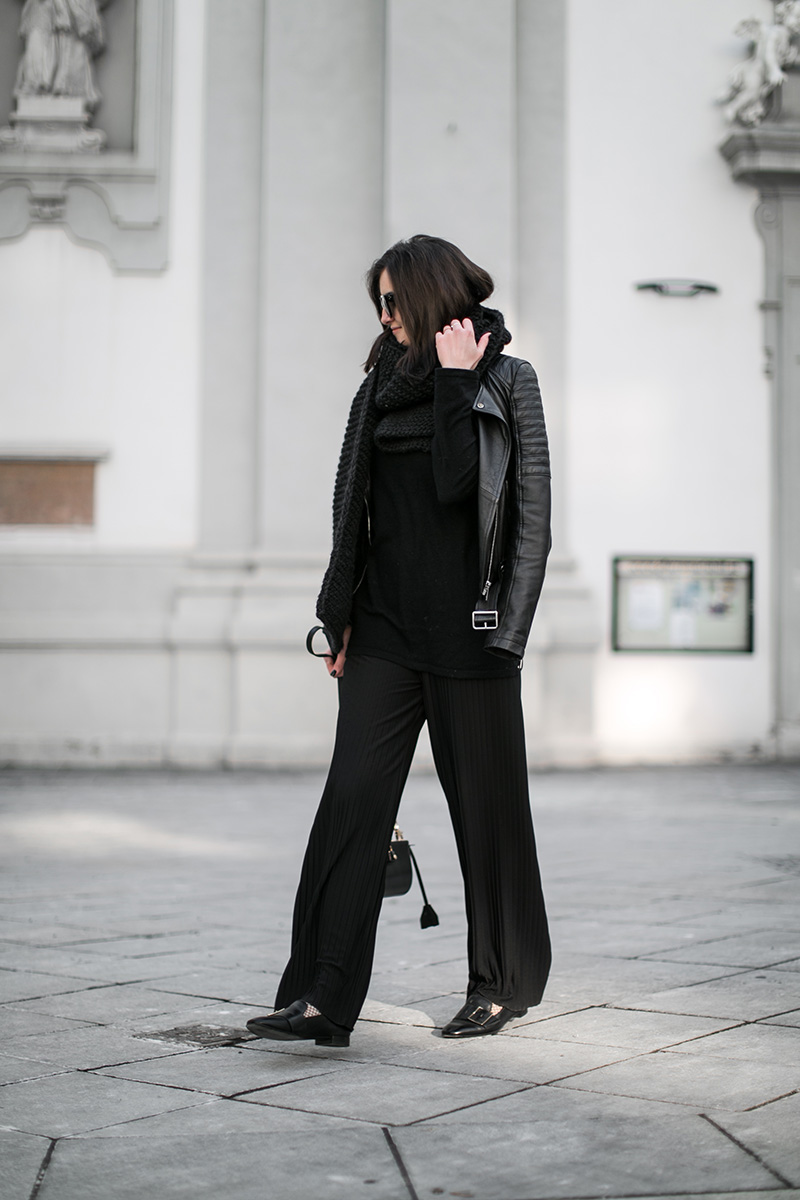 austria fashionblog worry about it later pleated pants all black