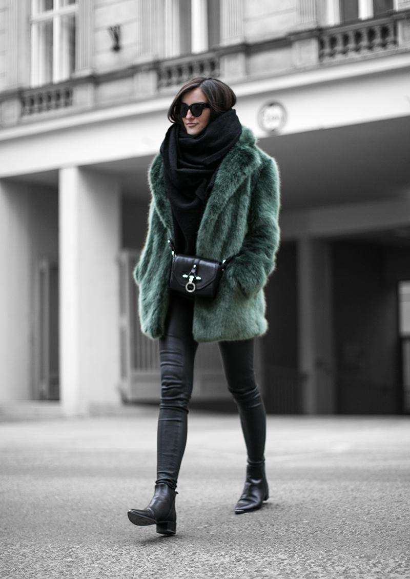 defect green fake fur coat worry about it later streetstyle vienna fashion blog