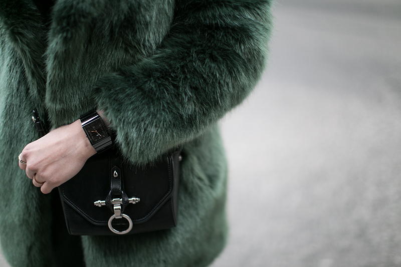 obsedia crossbody bag green fake fur coat defect streetstyle vienna worry about it later