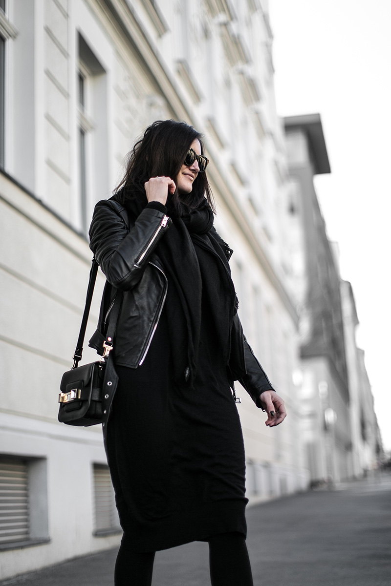 slow fashion worry about it later all black look streetstyle vienna