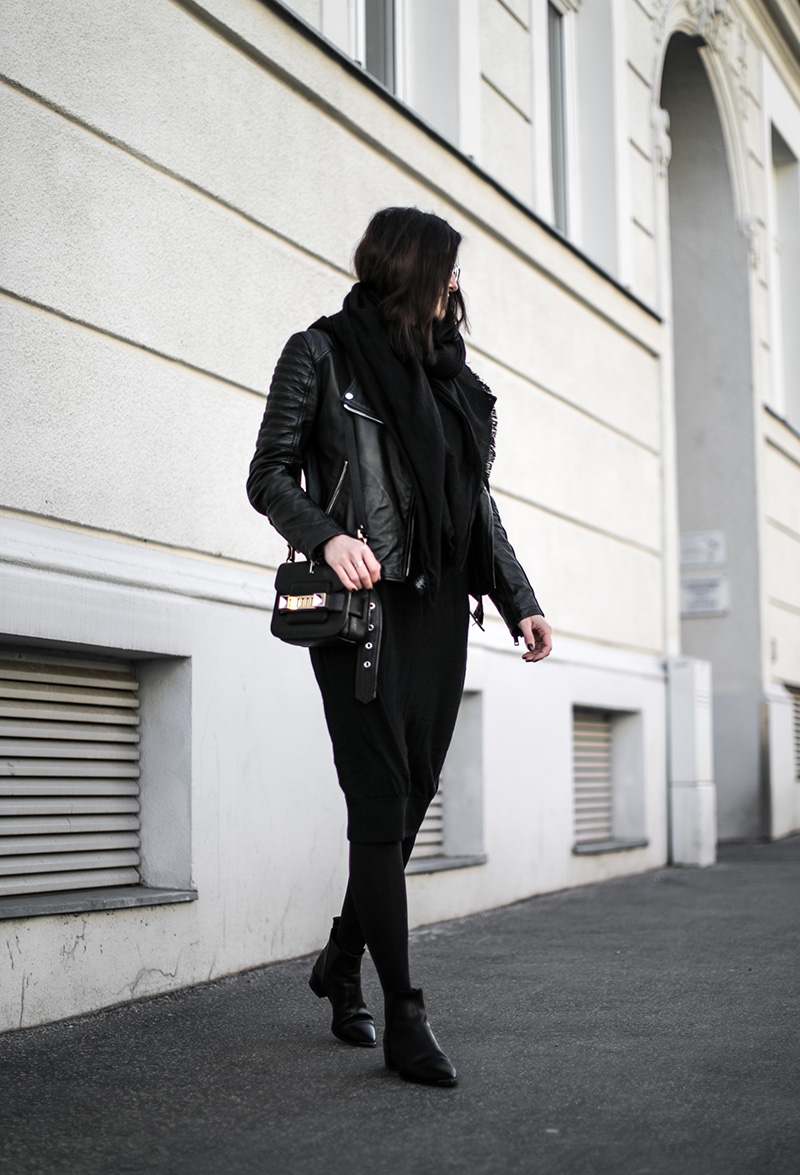 worry about it later streetstyle vienna all black outfit jensen boots acne