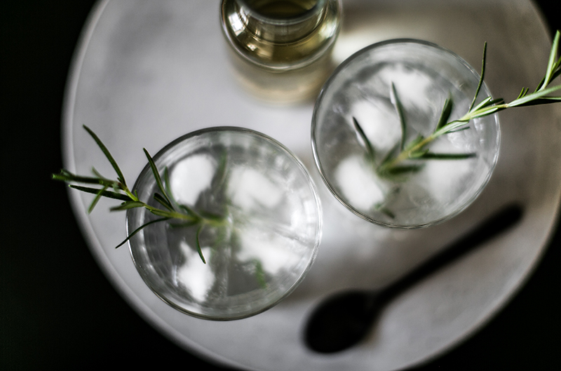 foodblog vienna worry about it later gin tonic selbst gemachter rosmarin sirup
