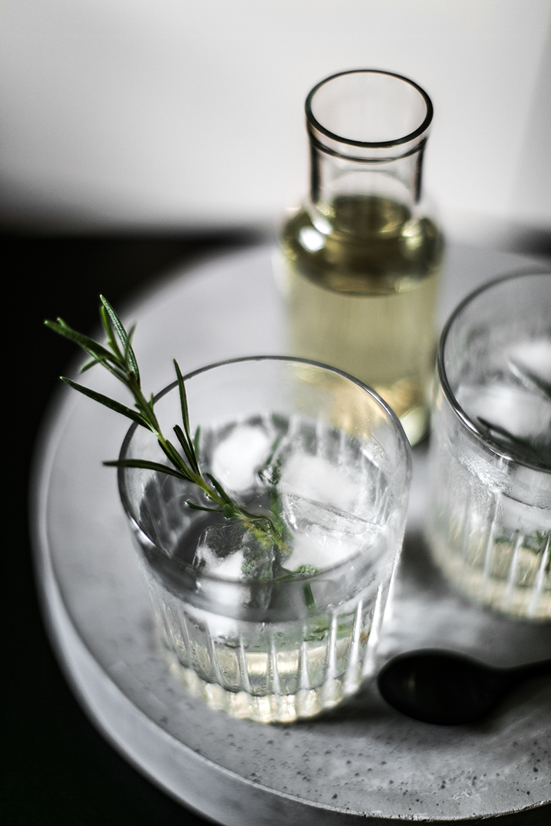 selbst gemachter rosmarin sirup gin tonic worry about it later foodblog viena