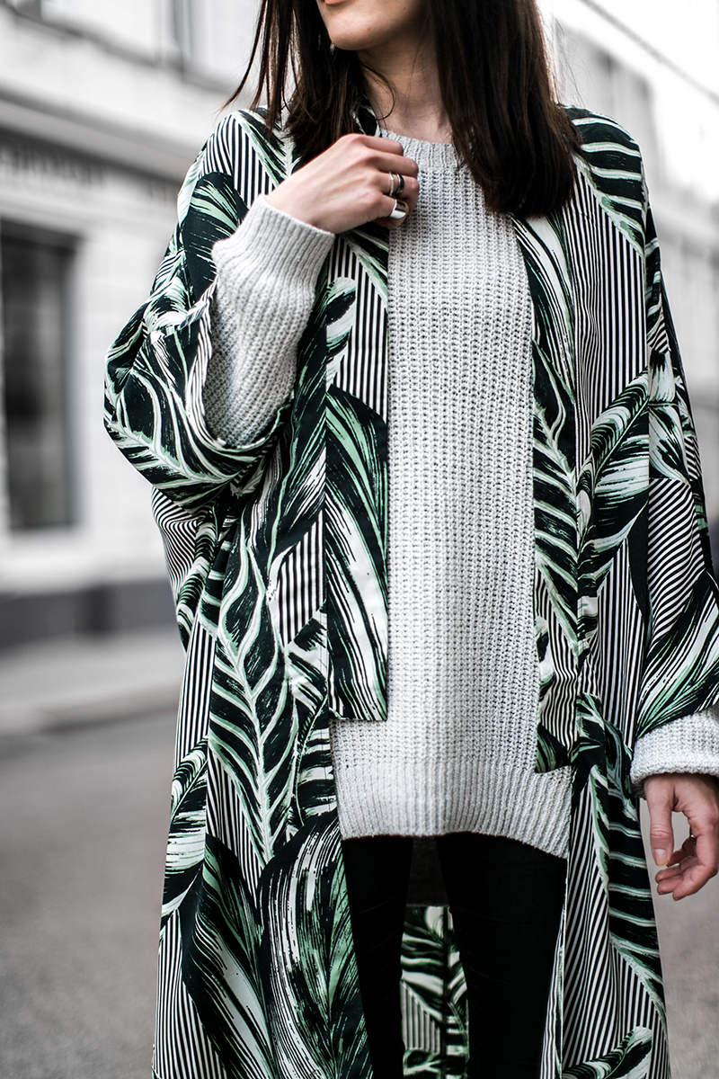 worry about it later outfit gruen weekday kimono streetstyle vienna