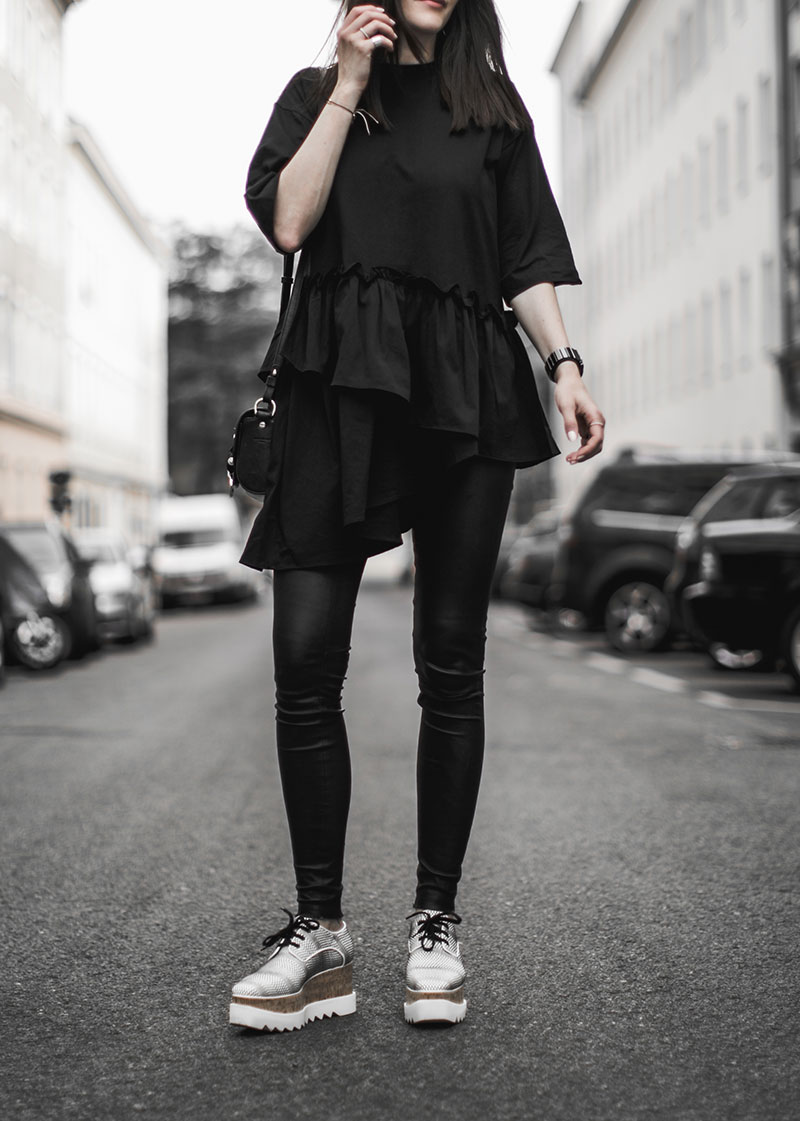 black white stelly mccartney elyse brogues worry about it later total black outfit streetstyleblog vienna
