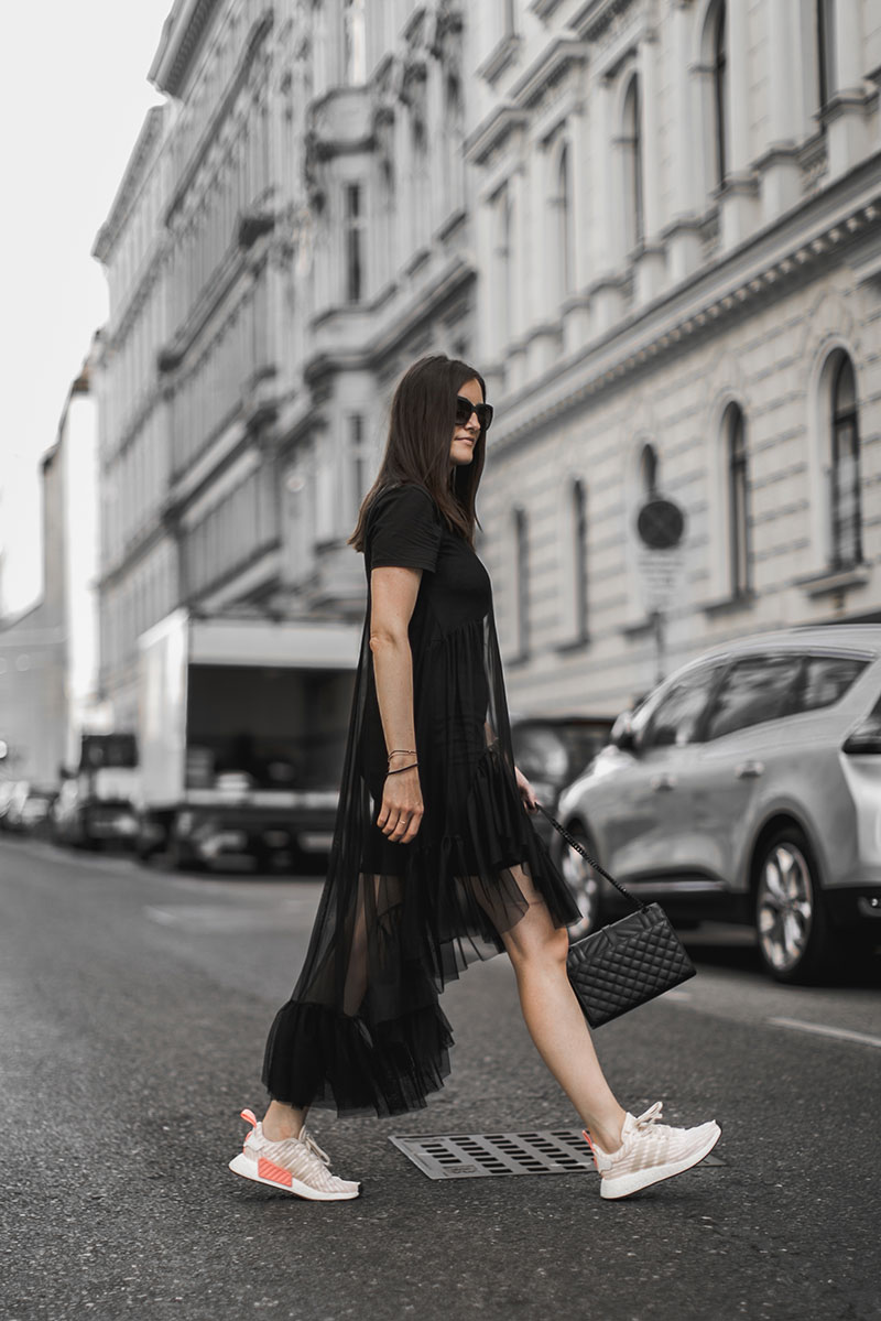 sheer mididress black zara worry about it later minimal streetstyle vienna fashionblog austria worry about it later