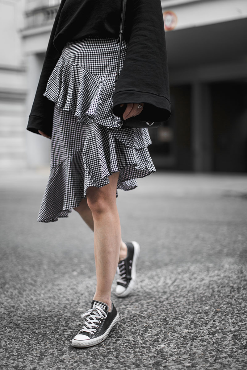 minimal outfit worry about it later gingham skirt nakd