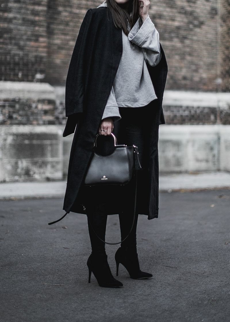 nakd grey hoodie worry about it later streetstyle vienna aigner lexi bag