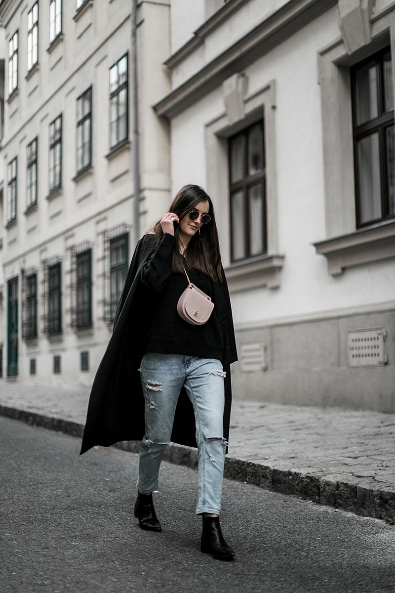 patrizia pepe beltbag pink worry about it later streetstyle vienna