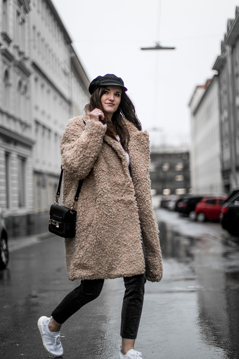 streetstyle vienna worry about it later brown teddy coat hm