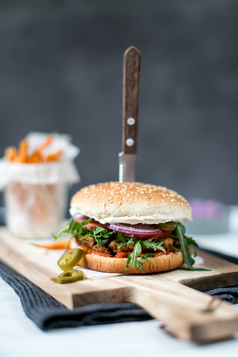 veganer burger worry about it later felix sugo streetfood style kirchererbsen suesskartoffel