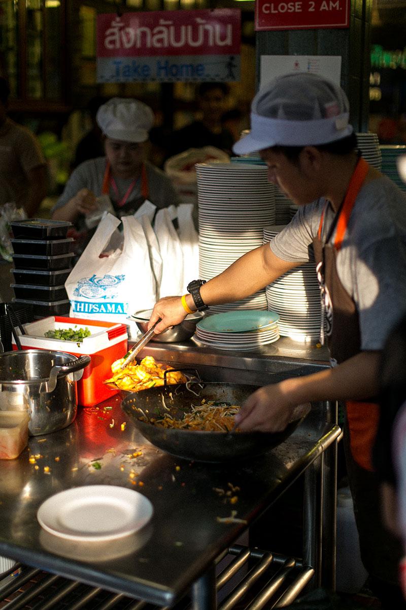 bestes pad thai bangkok thip samai pad thai worry about it later