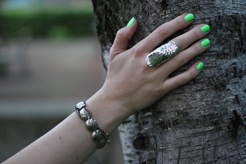 beauty: neon green polish