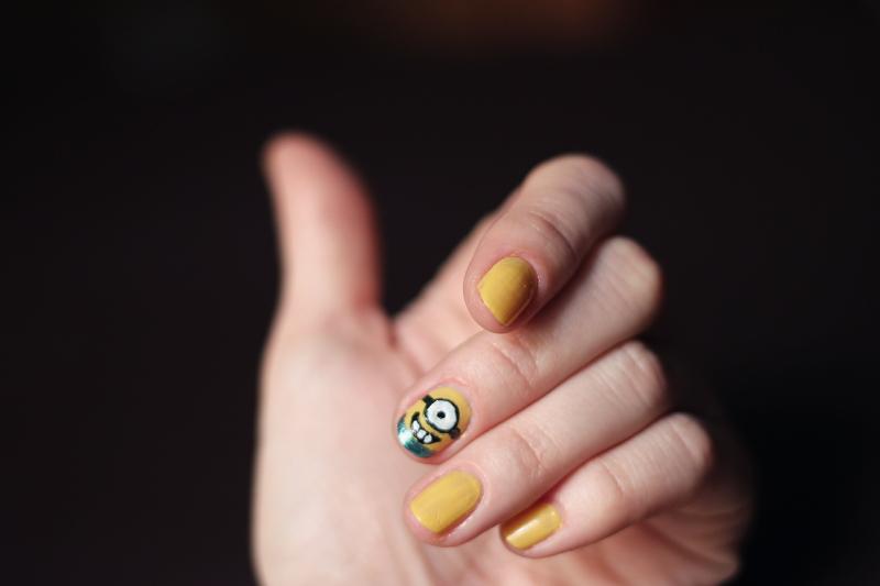 nails: minions