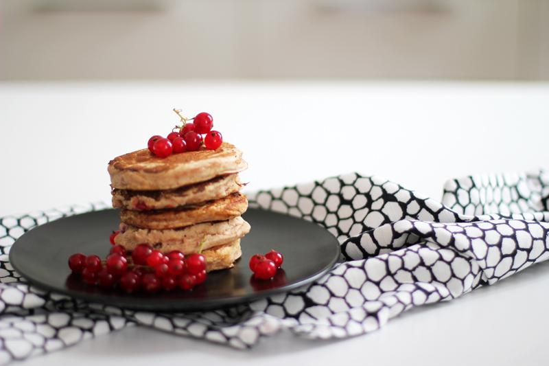 food: vegan pancakes