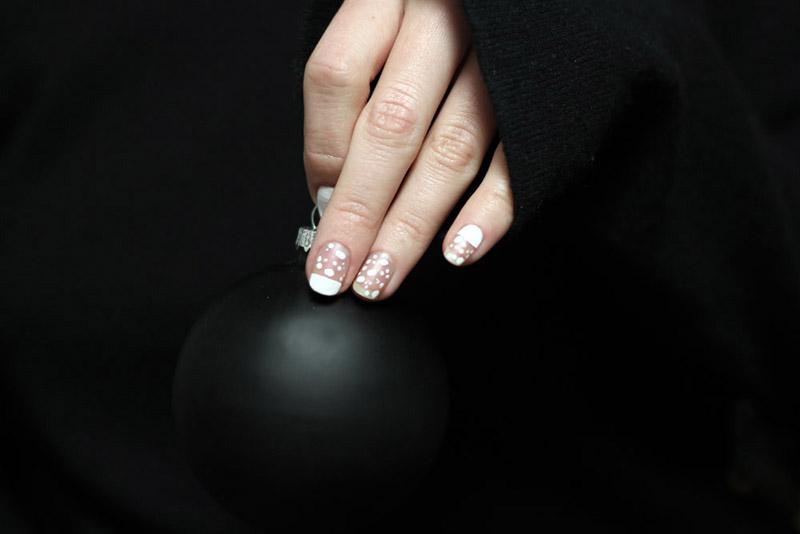 snow manicure