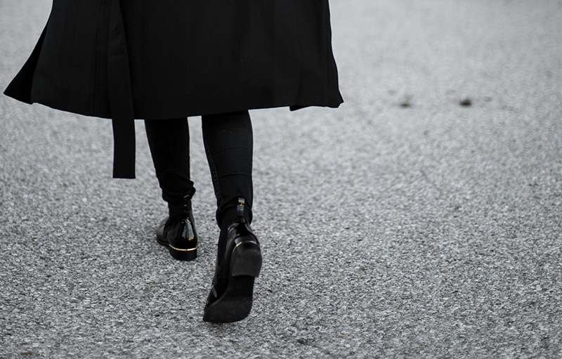 with a twist – högl ankle boots
