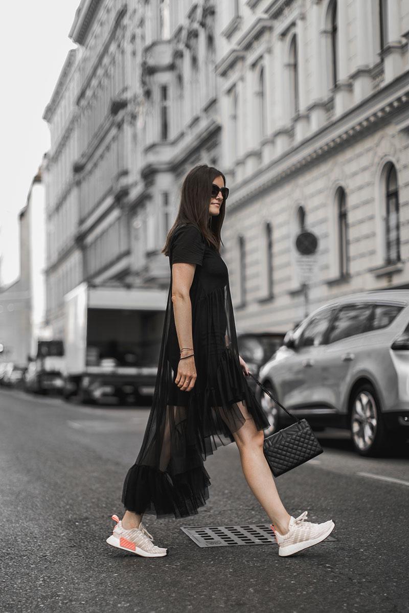 sheer mididress black zara worry about it later minimal streetstyle vienna fashionblog austria worry about it later