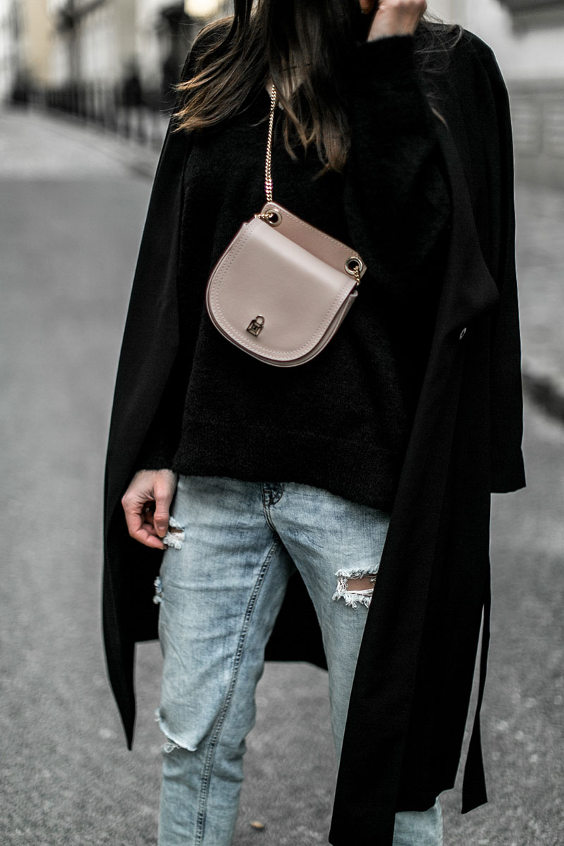 mom jeans worry about it later streetstyle vienna beltbag patrizia pepe light pink
