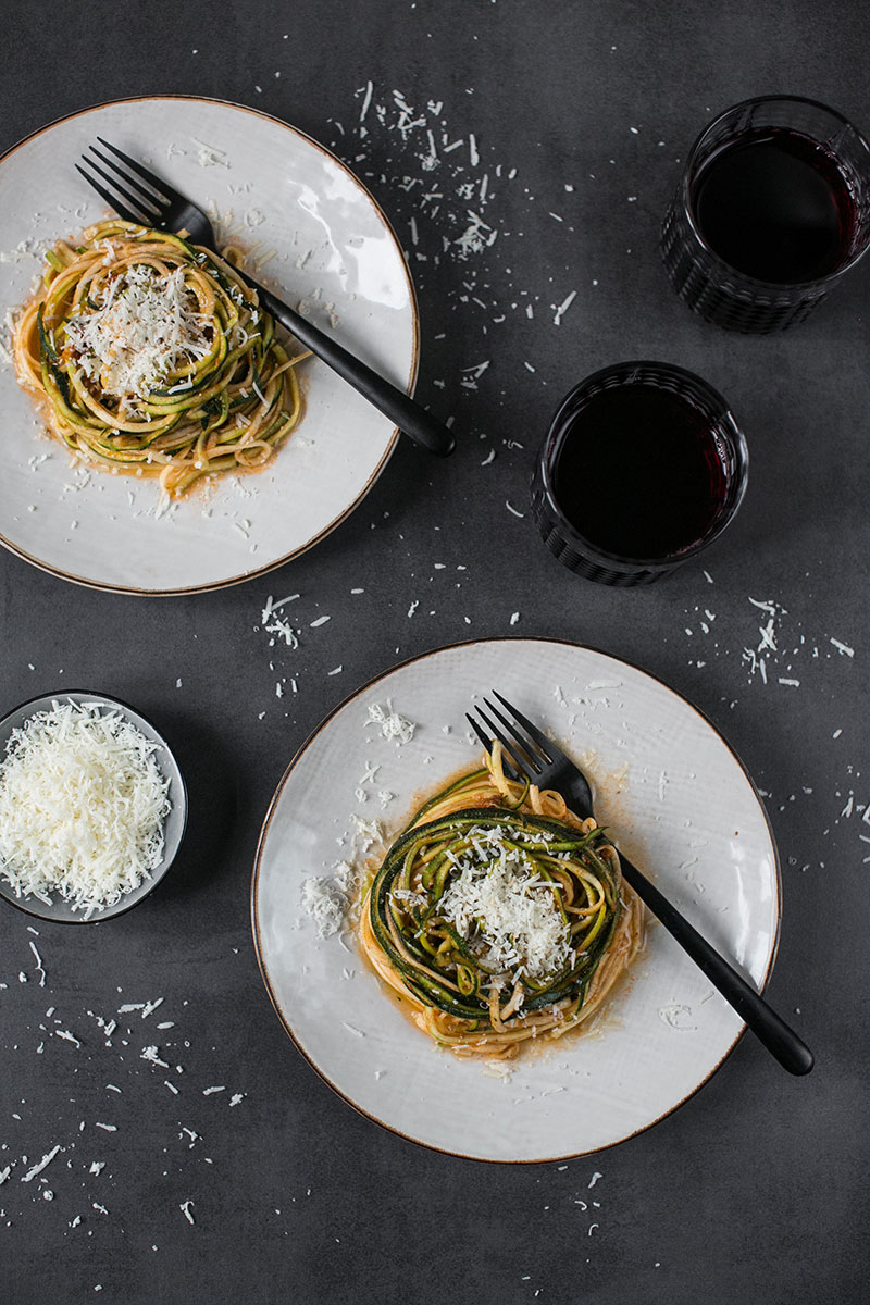 Zucchini Nudeln mit FELIX Sugo BBQ beef